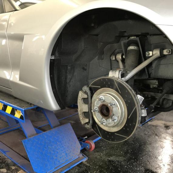 Corvette wheels and brakes detailing